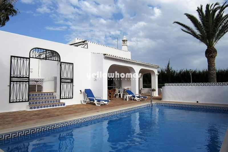 Elegant four bedroom villa in a prestigious estate close to Carvoeiro
